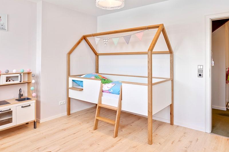 Kinderzimmer Möbel Hausbett