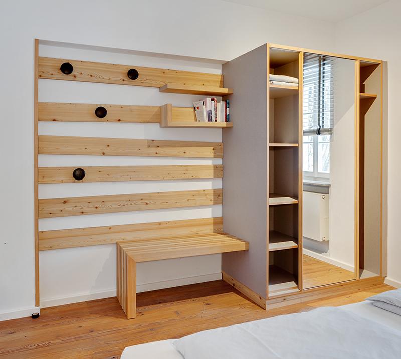 Schlafzimmer Holz Wandschrank mit Garderobe