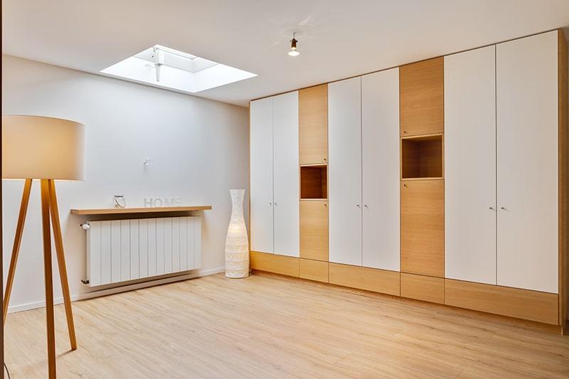 Wohnzimmermöbel Massivholz Stauraumschrank